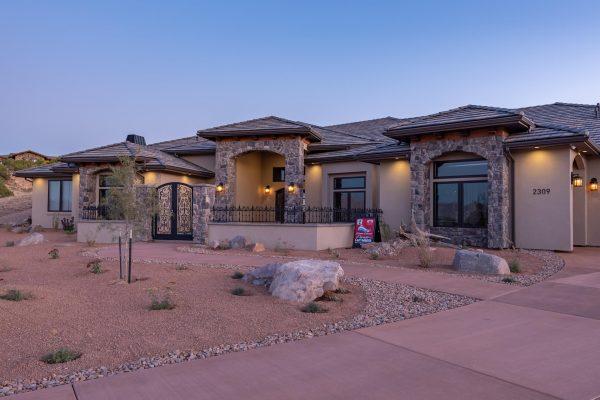 Building Custom Homes in Redlands Mesa, CO